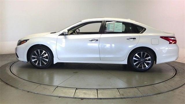 White Nissan Altima >> 2016 Nissan Altima 2 5 Sl